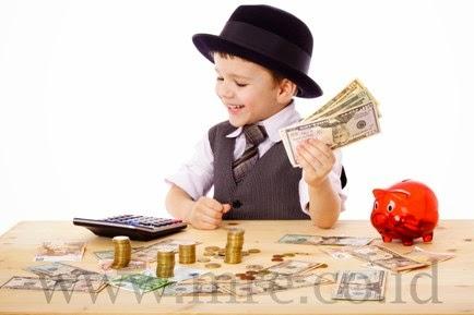Mengajarkan-mengelola-uang-kepada-anak-MRE
