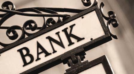 Masih-Amankah-Menyimpan-Uang-di-Bank-MRE